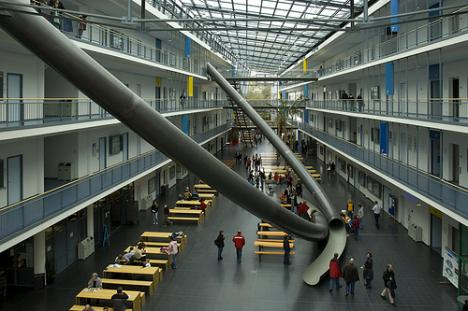 Stora rutschkanor på universitetet i München
