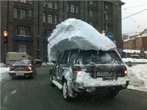 Ta bort snön på bilen, vad är det för larv?
