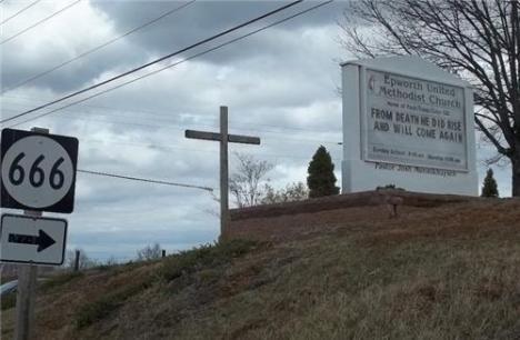 Där ligger en kyrka för fan
