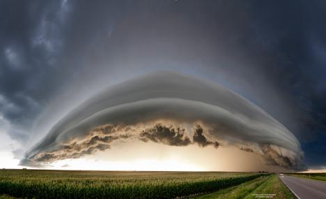 Mäktigt moln