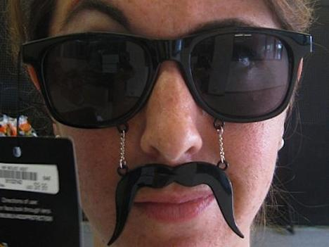 Glasögon-mustasch