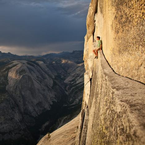 Väldigt modig bergsklättrare