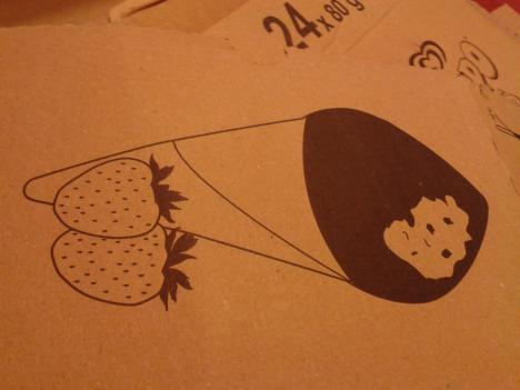 Designen på lådan till Daimstrut jordgubb